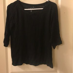 3/4 length black shirt with accents